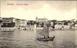 Ak Sassnitz auf der Insel Rügen, Strand mit Hotels, Segelboot