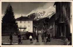 Foto Ak Airolo Kanton Tessin Schweiz, Entrata, Eingangs zum Ort, Anwohner