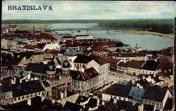 Postcard Poszony Pressburg Bratislava Slowakei, Vogelschau auf den Ort, Brücke