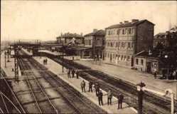 Postcard Busigny Nord, Bahnhof aus der Vogelschau, Gleisseite