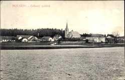 Postcard Mukarov Mujiviny Mittelböhmen, Celkovy pohled, Blick auf Ort und Kirche