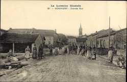 Ak Nonhigny Meurthe et Moselle, Grande Rue, Anwohner auf der Straße, Kirche