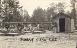 Foto Ak Wolhynien Ukraine, Friedhof 1. Brigade B. K. D., Gräber