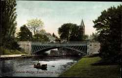 Postcard Royal Leamington Spa West Midlands England, Adelaide Bridge