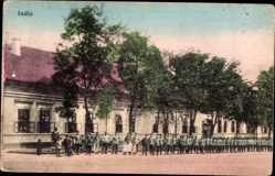 Postcard Indija Serbien, Soldaten vor einem Gebäude, II Res. Inf. Regt. Nr. 20