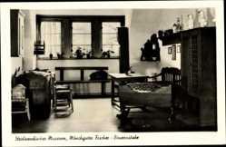 Ak Stralsund in Mecklenburg Vorpommern, Museum, Innen, Mönchguter Fischer