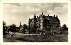 Postcard Güstrow im Kreis Rostock, Blick auf das Schloss Feierabendheim