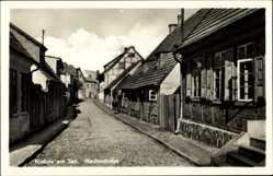 Postcard Krakow am See im Kreis Rostock, Blick in die Wedenstraße, Fachwerkhäuser
