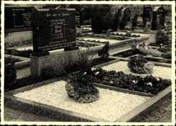 Foto Ak Niedernwöhren, Friedhofspartie, Lina Greft, Adolf Tillmann, Gräber