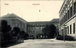 Postcard Halle an der Saale, Blick auf die Universität, Hof, Straßenpartie, Gebäude