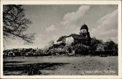 Postcard Lenzen an der Elbe im Kreis Prignitz, Blick auf die Burg, Wiese, Wald