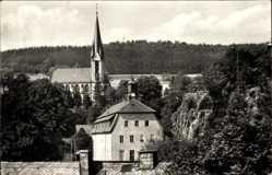Postcard Rechenberg Bienenmühle Erzgebirge, Blick auf die Schule und die Kirche