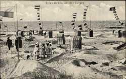 Ak Strandleben an der Ostsee, Wimpel, Meer, Kinder, Strandkörbe
