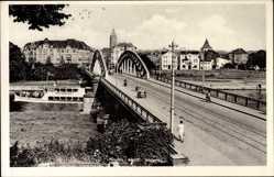 Postcard Minden Westfalen, Salondampfer Porta Westfalica passiert die Brücke