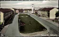 Postcard Traunreut in Oberbayern, Straßenpartie am Rathausplatz, Turm