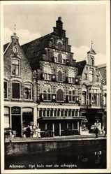 Postcard Alkmaar Nordholland Niederlande, Het huis met de schopjes, Giebelhaus