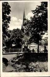 Postcard Bitterfeld in Sachsen Anhalt, Blick auf die Loberbrücke und die Kirche