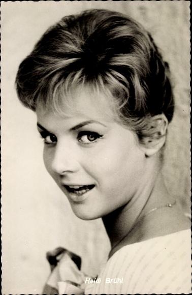 Ansichtskarte Postkarte Schauspielerin Heidi Brühl Akpoolde