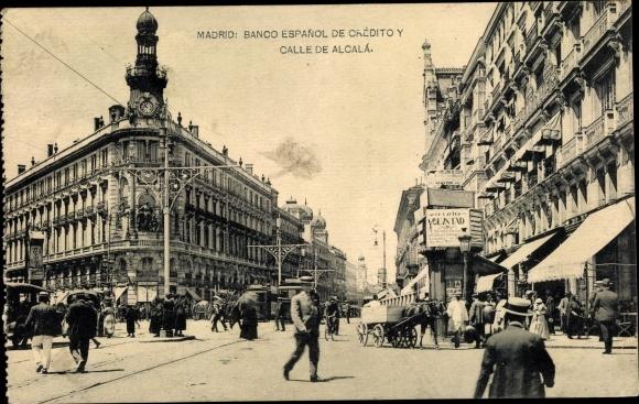 Postcard Madrid Spanien Banco Espanol De Credito Y Calle De Alcala