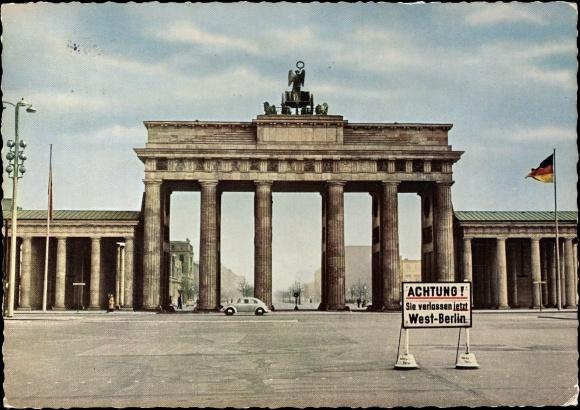 ansichtskarte postkarte berlin brandenburger tor grenze ddr zu westberlin. Black Bedroom Furniture Sets. Home Design Ideas