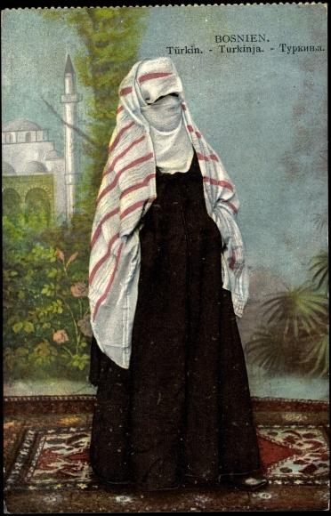 Postcard Bosnien, Türkische Frau in Tücher gehüllt