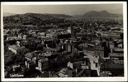Postcard Ljubljana Slowenien, Blick auf den Ort mit Häusern