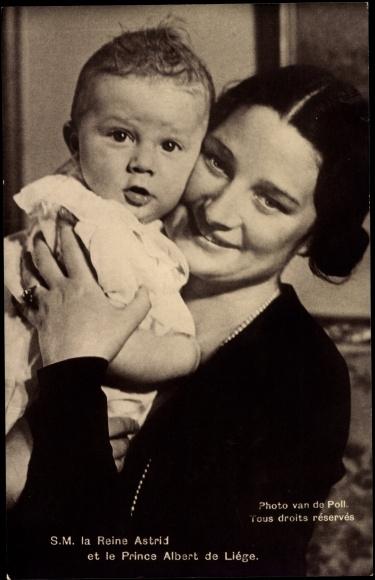 Postcard S.M. la Reine Astrid et le Prince Albert de Liége