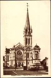 Cp Briare en Loiret, Vue de l'Eglise et Monument Bapterosses