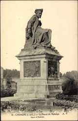 Cp Chinon Indre et Loire, vue générale de la Statue de Rabelais