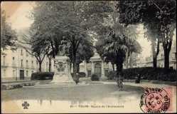 Cp Tours Indre et Loire, vue générale du Square de l'Archevêche