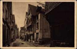 Cp Chinon Indre et Loire, vue générale des vieilles Maisons