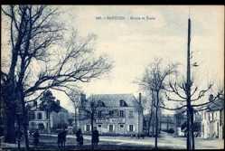 Cp Badecon en Indre, Mairie et Ecole, Ansicht der Schule, Kinder