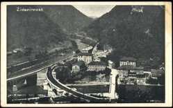 Postcard Zidanimost Slowenien, Bahnhofsgleise in der Innenstadt und Tallandschaft