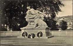 Postcard Düsseldorf, Kriegerdenkmal, historisches Denkmal, Kränze