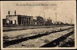 Postcard Grodno Weißrussland, Der von den Russen zerstörte Bahnhof