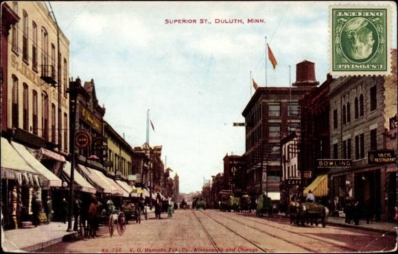 Duluth Minnesota, Superior Street, Passanten, Restaurant, Bowling