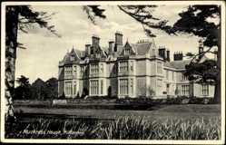 Postcard Killarney Irland, Muckross House, Ansicht Parkseite, Tannen