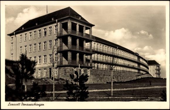 Ansichtskarte / Postkarte Donaueschingen, Blick auf das Lazarett, Krankenhaus, Fassade