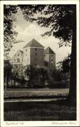 Postcard Ingolstadt, Blick auf das alte Schloss, Bäume, Türme