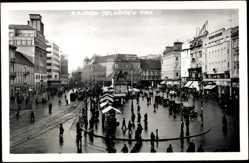 Postcard Zagreb Kroatien, Telacicev Trc, Partie am Marktplatz mit Denkmal