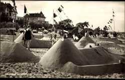 Ak Scharbeutz in Ostholstein, Ostseebad, Sandburgen am Strand