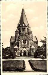 Postcard Riesa an der Elbe Sachsen, Straßenpartie mit Blick auf Trinitatiskirche