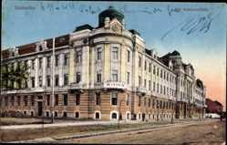 Postcard Szabadka Subotica Serbien, Straßenpartie mit Blick auf ein Haus, Fassade