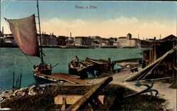 Postcard Riesa an der Elbe Sachsen, Flusspartie, Anker, Fischerboot, Blick auf den Ort