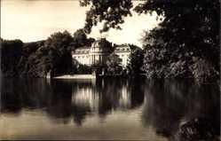 Foto Ak Ludwigsburg, Blick auf Schloss Monrepos vom Wasser aus
