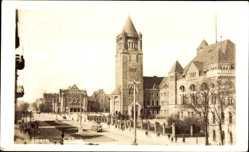 Foto Ak Poznań Posen, Ansicht vom Schloss, Straßenbahn, Glockenturm