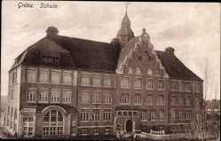 Postcard Gröba Riesa an der Elbe, Außenansicht der Schule