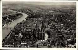 Postcard Regensburg an der Donau Oberpfalz, Fliegeraufnahme von der Stadt