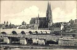 Postcard Regensburg an der Donau Oberpfalz, Blick auf den Ort mit steinerner Brücke