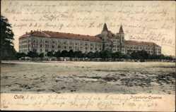 Ak Celle in Niedersachsen, Blick auf die Infanterie Kaserne, Platz, Fassade